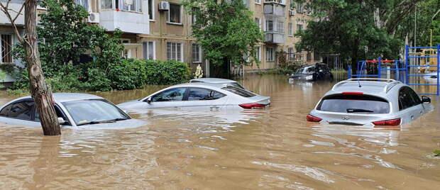 На Украине злорадствуют по поводу сильнейшего наводнения, которое произошло в Крыму. Так, секретарь Совбеза...