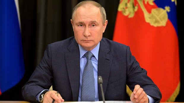 Стало известно о планах Путина провести 13 мая совещание с членами правительства