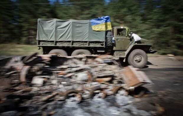 Грузовик ВСУ подорвался на мине, когда солдаты воровали металлолом
