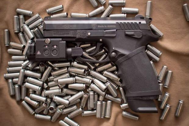Самый мощный травматический пистолет мира. Видео