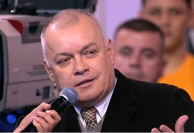 Телеведущий Киселёв попал в больницу с коронавирусом