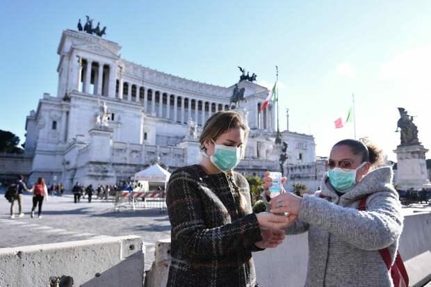 В Италии запретили платить зарплаты непривитым от COVID