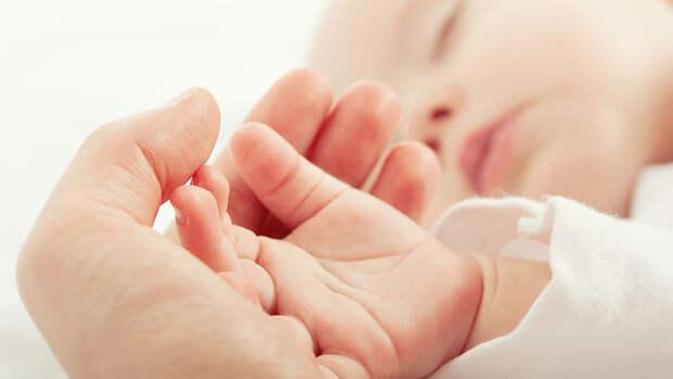 Петербурженка родила девочку весом больше пяти килограмм