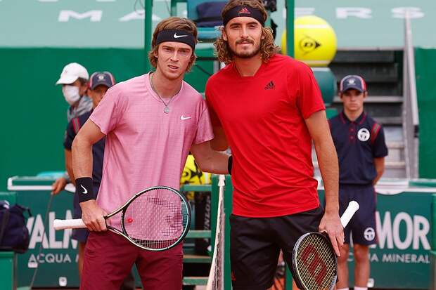 Теннисист Рублев проиграл Циципасу, но поднялся в рейтинге