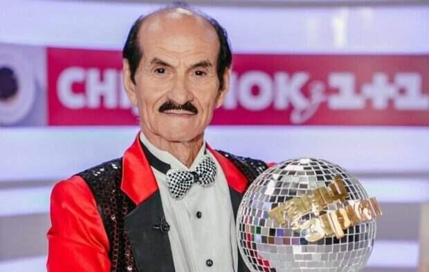 """Продюсер """"Танців з зірками"""" впервые показал особенный подарок и послание от Чапкиса: """"Приказываю быть..."""""""