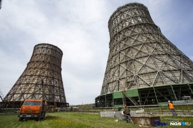 В Новосибирске начали отключать батареи. Куда звонить, если у вас по-прежнему жарко?
