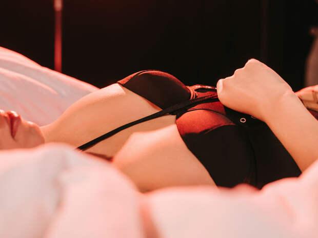 Студент из Волгограда заработал миллионы, притворяясь проституткой