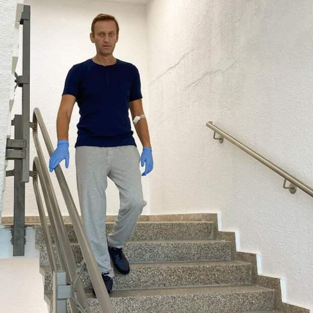На Украине не верят: Для отравленного «Новичком» Навальный слишком бодрячком навальный, отравление, сомнения