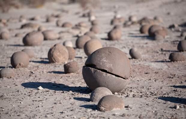 разные шары на острове Чампа