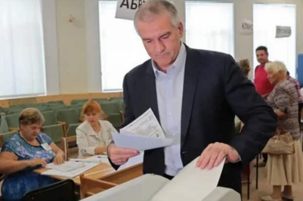 В Крыму открылись все избирательные участки