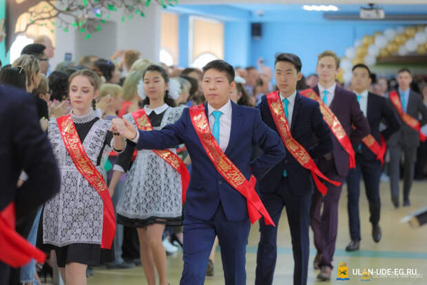 Выпускников школ Улан-Удэ соберут на последний звонок