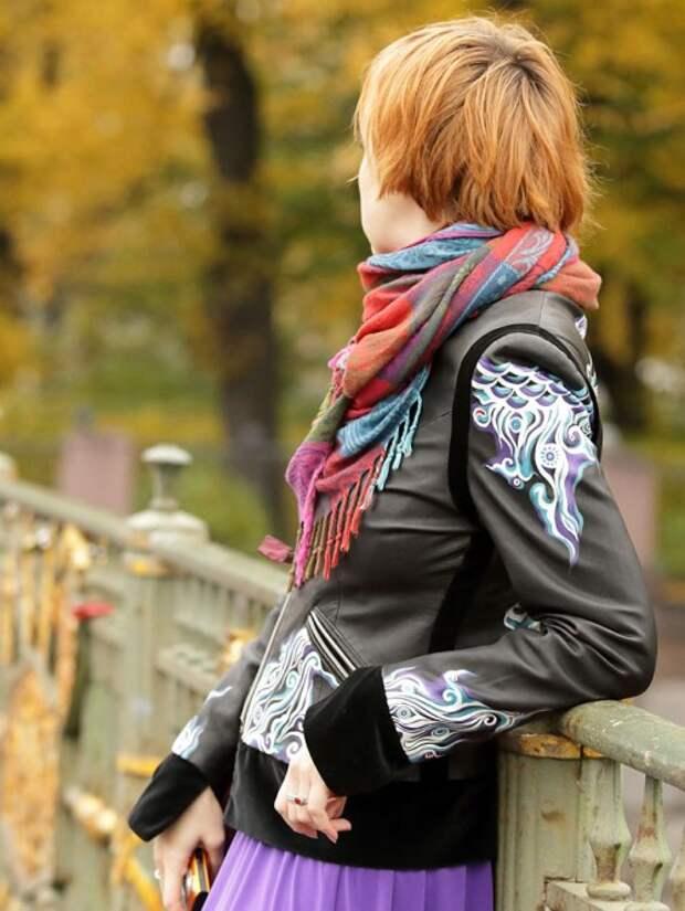 Роспись куртки акрилом - автор Shraddha (1)