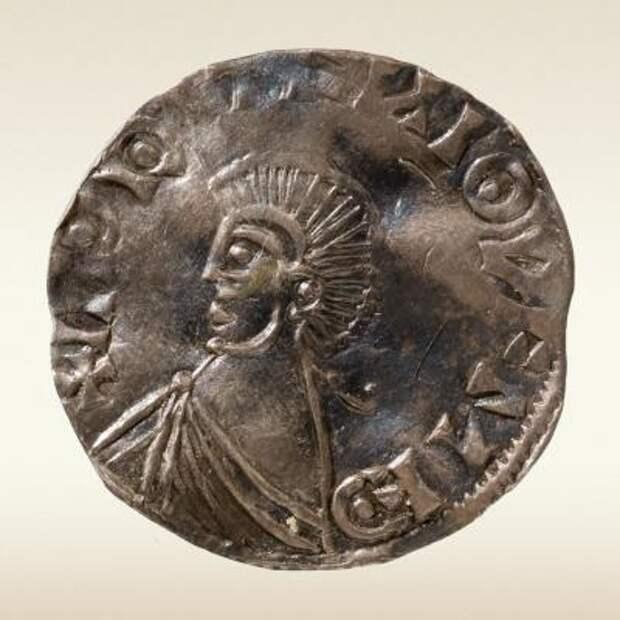 Серебяная монета из Новгородского клада