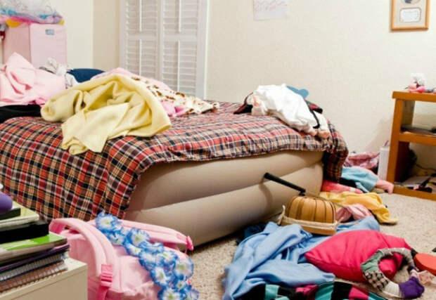 Отсутствие систем для хранения вещей. | Фото: Недвижимость - TUT.by.