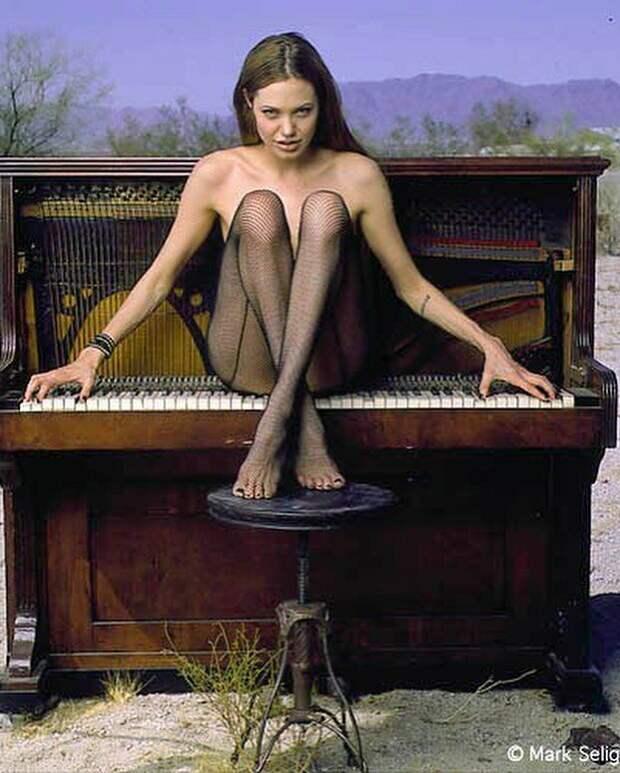 Совсем юная Джоли  история, люди, фото