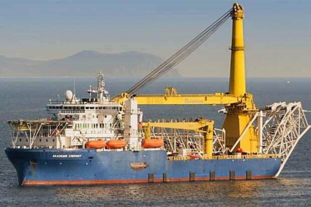 Способное достроить «Северный поток — 2» судно направилось в Германию