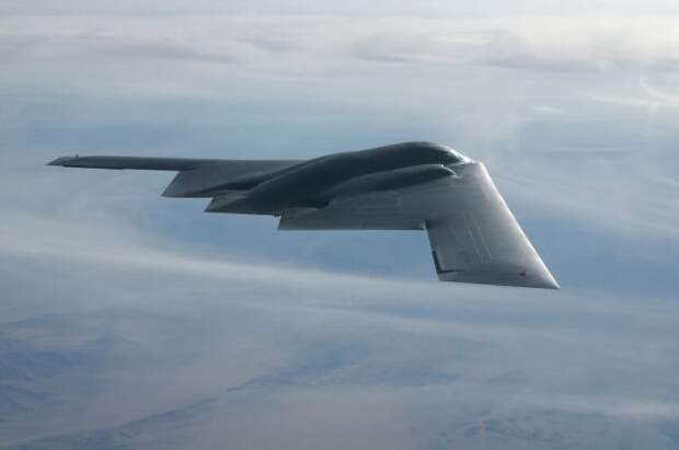В США стелс-бомбардировщик B-2 совершил аварийную посадку