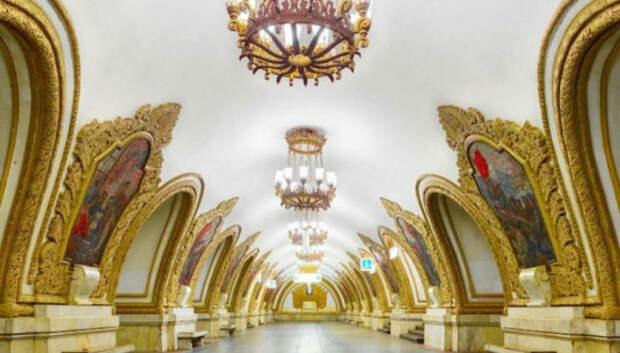 Фотограф показал всю роскошь московского и питерского метро безлюдей