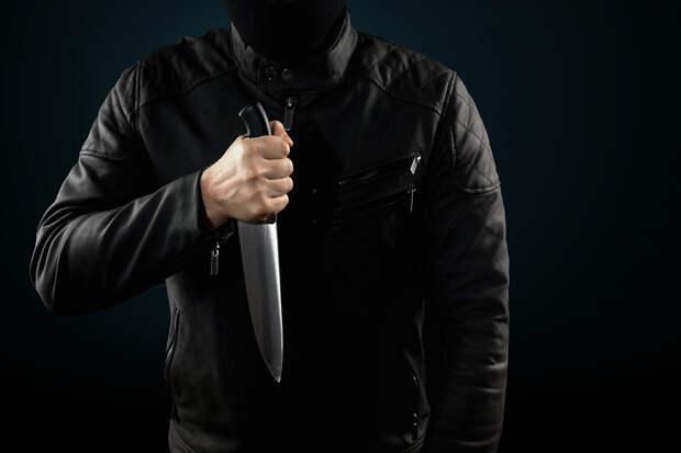 Возле школы в парижском пригороде задержали мужчину с ножом