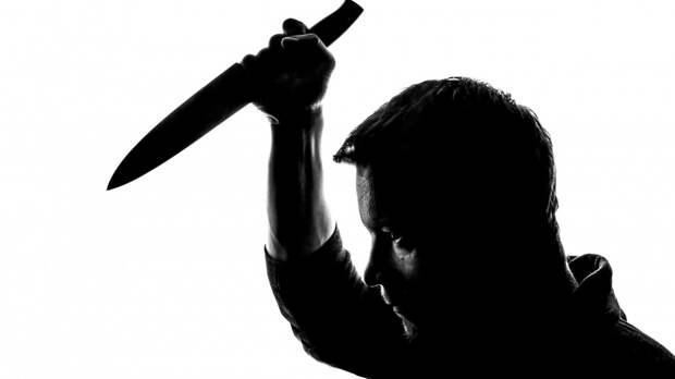 Гость из Карелии убил мужчину и порезал женщину в петербургской коммуналке