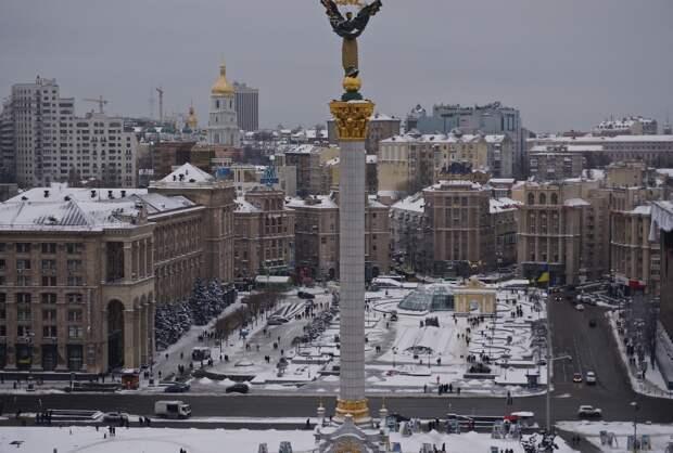 В Киеве начался протест против закрытия телеканалов