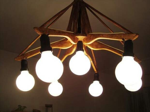 Люстры и светильники из вешалок плечиков (подборка)
