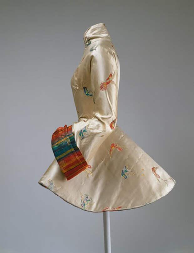 Мадам Гре – великий французский модельер. Создательница платьев достойных богинь Олимпа.