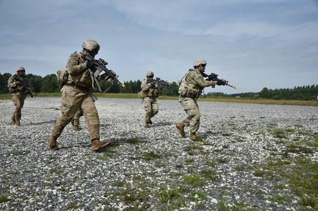 Как СМИ помогают министру обороны Великобритании раздувать военный бюджет