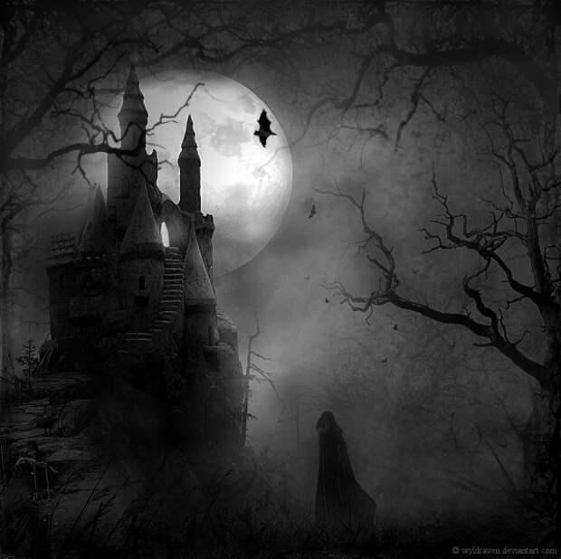 готичный рисунок замка на фоне луны