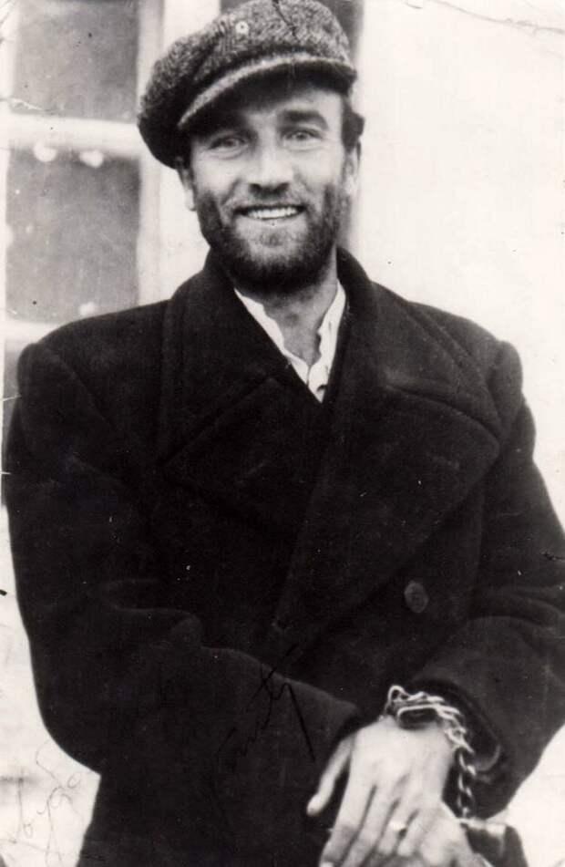 Улыбка черногорского студента-партизана Чедомира Чупича перед расстрелом, 1942 год история, люди, фото