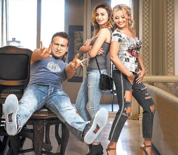 Леонид Агутин и Анжелика Варум с дочерью Лизой