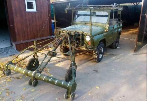 Для чего в Советском Союзе выпускали УАЗ с двумя рулевыми колесами