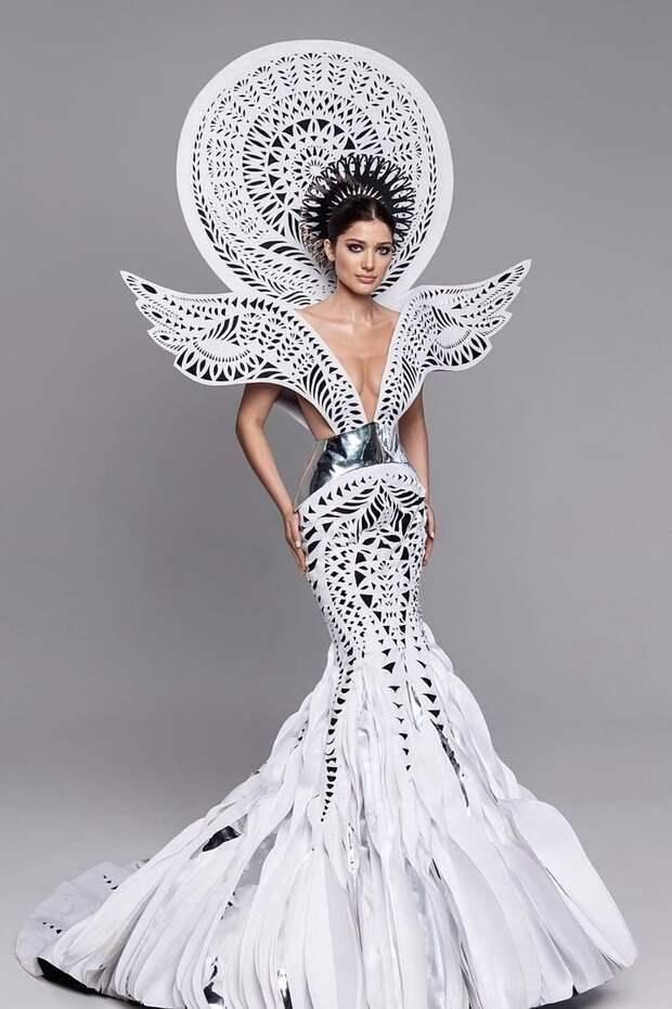 """Сюрпризы конкурса """"Мисс Вселенная"""": россиянка удивила нарядом, украинку затравили, а корону забрала красавица из Мексики"""