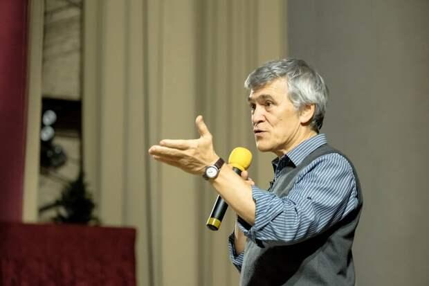 Астроном Владимир Сурдин прочел лекцию о темной стороне Вселенной в Ижевске