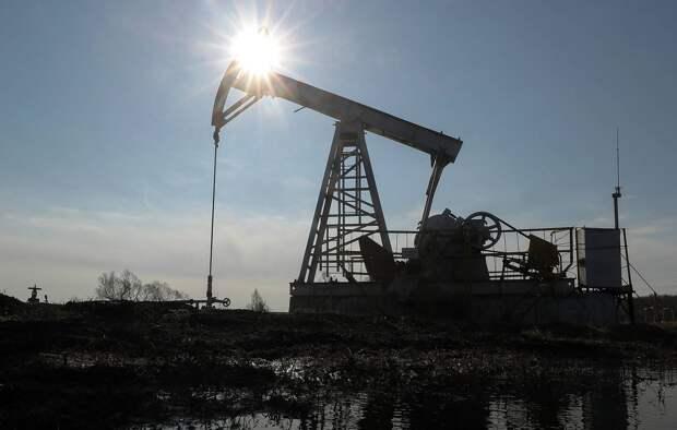 Цена нефти Brent поднялась выше $74 впервые с апреля 2019 года