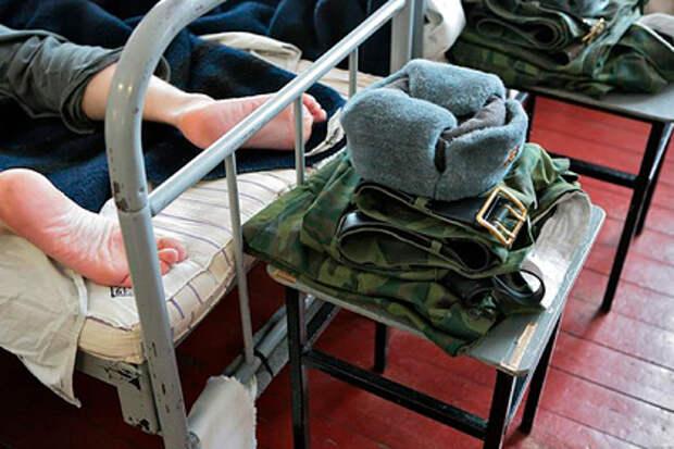 Офицер вымогал у солдата деньги за обещание обследовать его на коронавирус