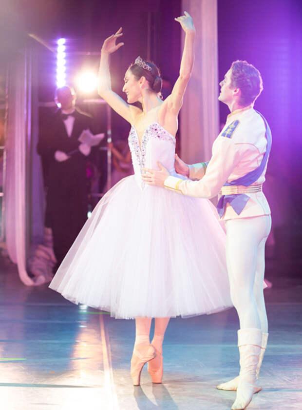 Сергей и Софья Капковы, Ольга Слуцкер и другие на перформансе Центральной балетной школы