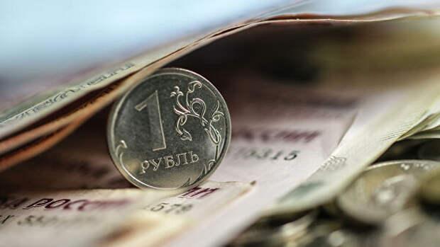 Эксперт оценил влияние беспорядков в США на курс доллара и рубля
