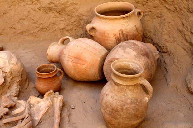 Уникальные захоронения и украшения из золота обнаружили археологи Южно-Казахстанской области