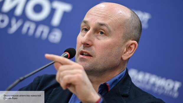 Политолог рассказал о работе Навального по методичке Юлии Тимошенко
