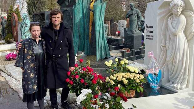 Прохор Шаляпин сломал кровать на даче покойной Людмилы Гурченко