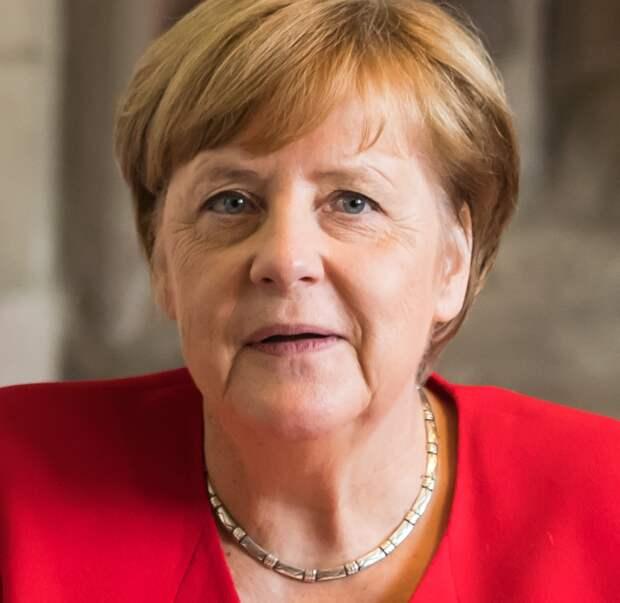 Меркель отменила запись на прививку от коронавируса вакциной AstraZeneca
