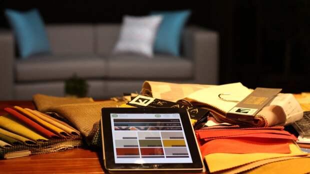 Проектор Vizera помогает выбирать обивку для дивана