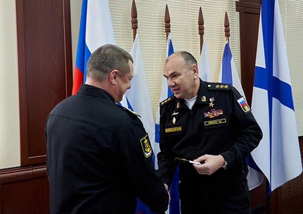 Командующий Северным флотом поздравил  начальника штаба МТО со званием высшего офицера