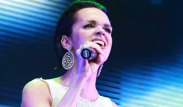 Открытый перелом: певица Слава взвыла от боли
