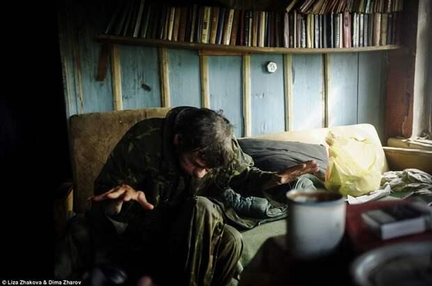 У Леши 10 детей от трех разных жен, все они уехали из деревни бомжи и пьяницы, российская глубинка