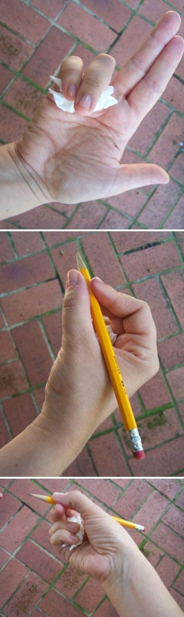 18. «Обычный бумажный платочек поможет научить ребёнка правильно держать карандаш» Хитрость, дети, идея, полезно, родители, совет, фантазия