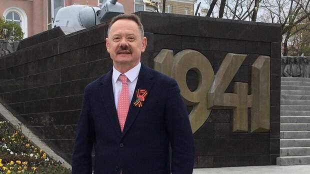 «Мыравняемся навас»— Владимир Новиков поздравил ветеранов Приморья сДнем Победы