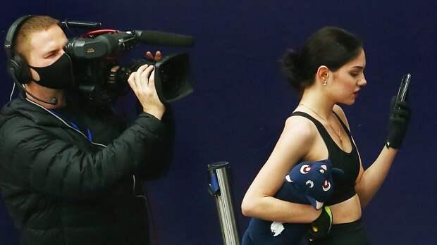 Медведева сообщила, что вслед за инстаграмом неизвестные попытались взломать ее фейсбук