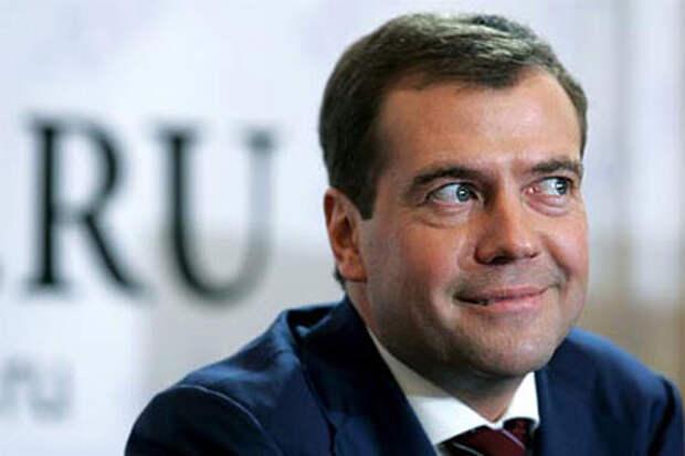 Раскрыта истинная национальность Медведева